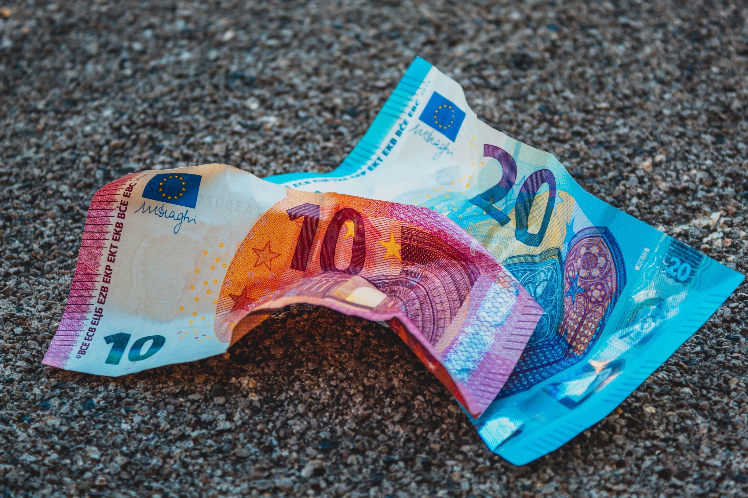 Nowelizacja dyrektywy dotyczącej przeciwdziałaniu praniu pieniędzy oraz finansowania terroryzmu – najważniejsze zmiany